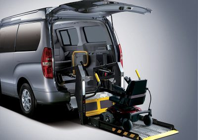 shuttle-wheelchair-lift02-big